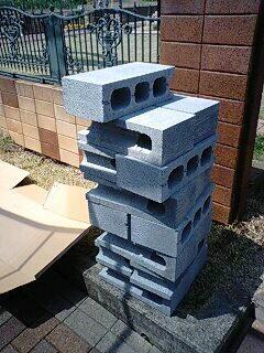 ウッドデッキ資材の重量ブロック