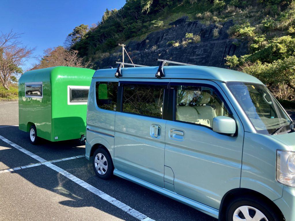 軽キャンピングトレーラーの幌馬車くんで行く伊豆の恋人岬の駐車場
