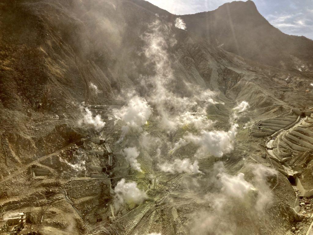 軽キャンピングトレーラーの幌馬車くんで行く箱根の芦ノ湖と大涌谷の観光 大涌谷の写真