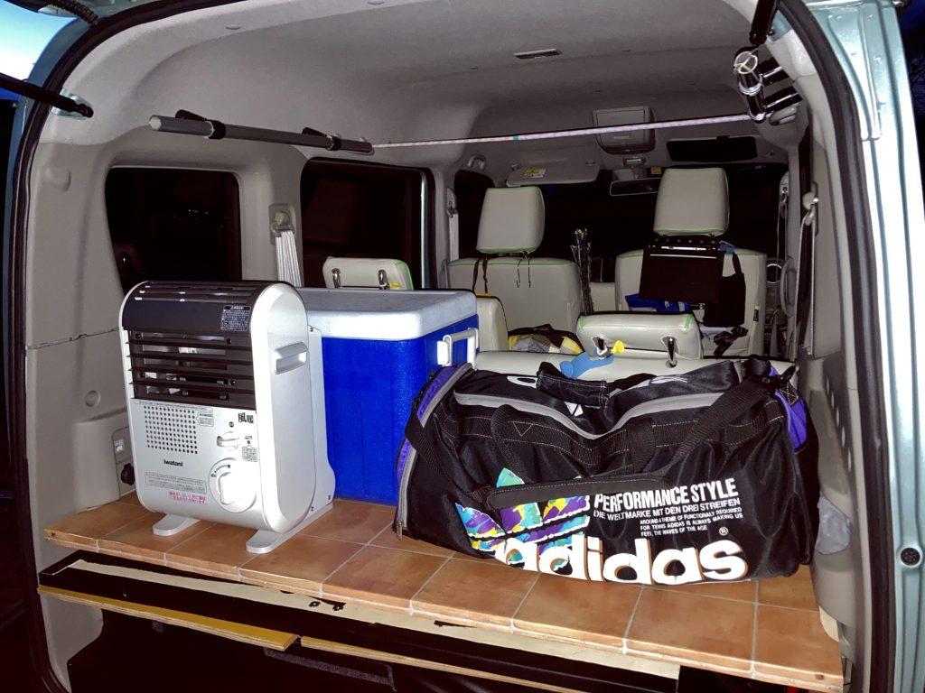 幌馬車くんと行く軽キャンピングトレーラー車中泊で大洗サンビーチ駐車場に泊まるときの荷物
