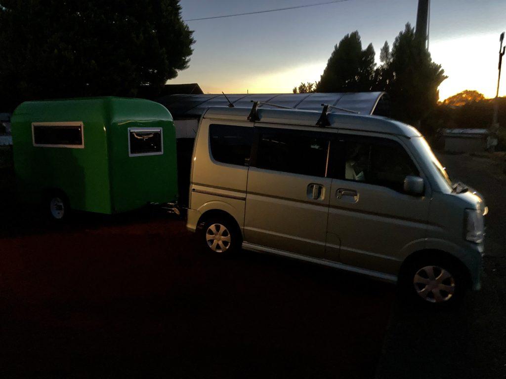 幌馬車くんと行く軽キャンピングトレーラー車中泊で大洗サンビーチ駐車場に泊まる出発は早朝