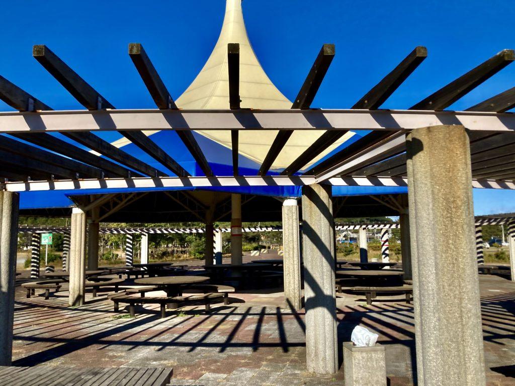 大洗サンビーチ駐車場に泊まるオススメ車中泊の駐車場は多目的広場(大)隣の大洗町営第二駐車場付近の大型テント