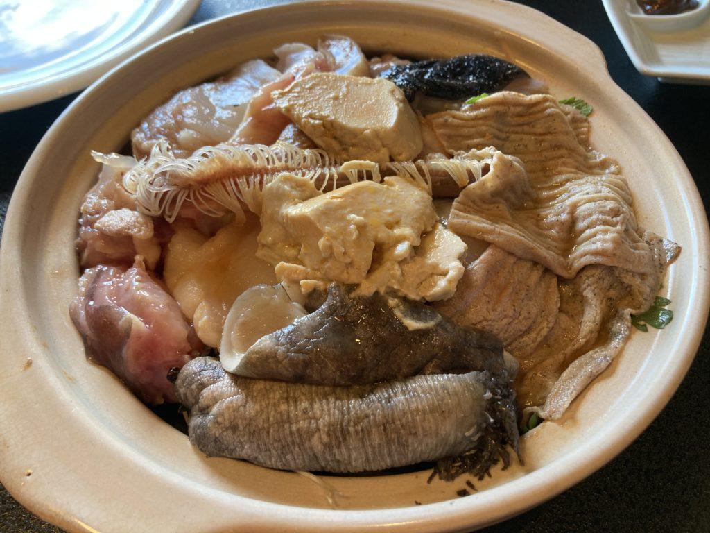 大洗サンビーチ近くの宮田であんこう鍋づくしコースを食べた