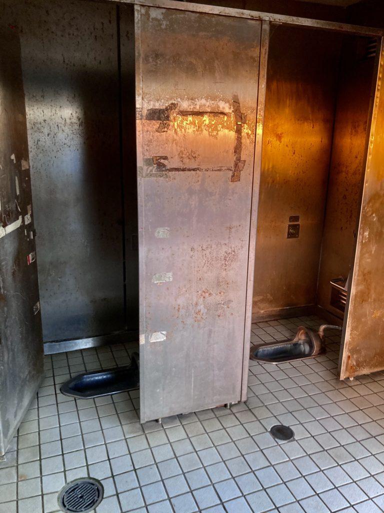 大洗サンビーチ駐車場に泊まる時の大洗町営第二駐車場のトイレ便器