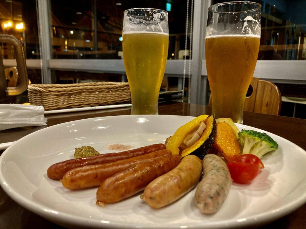 道の駅「宇都宮ろまんちっく村」のレストランの麦の楽園のビアソーセージと地ビール