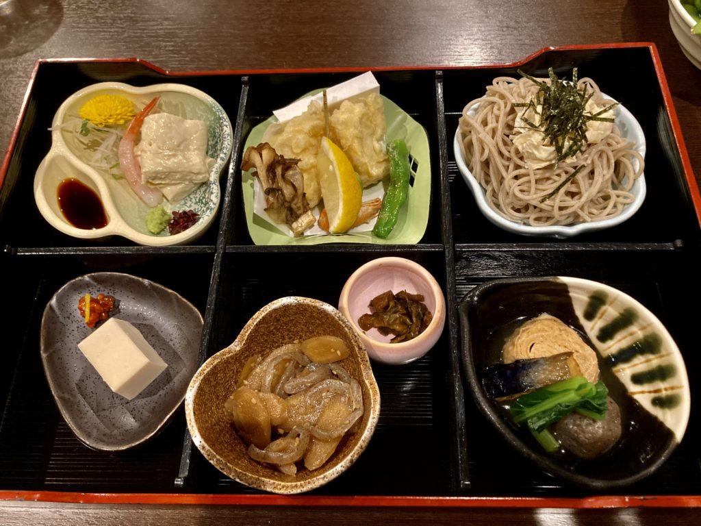 道の駅「宇都宮ろまんちっく村」のレストランの「ゆず庵」の特選生ゆば弁当