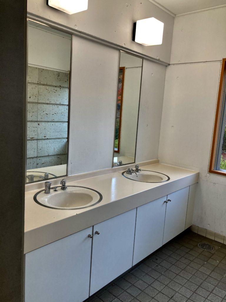 道の駅「宇都宮ろまんちっく村」の第一駐車場のトイレ洗面台