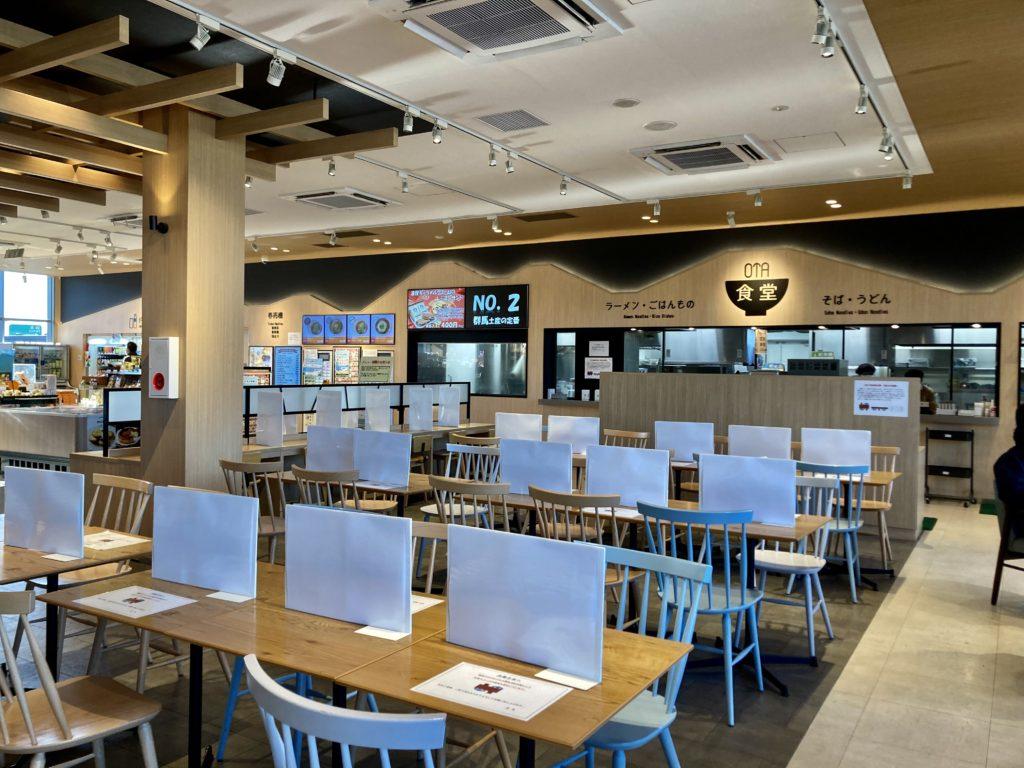 幌馬車くんと行く軽キャンピングトレーラーと北関東自動車道の太田強戸PAのレストラン