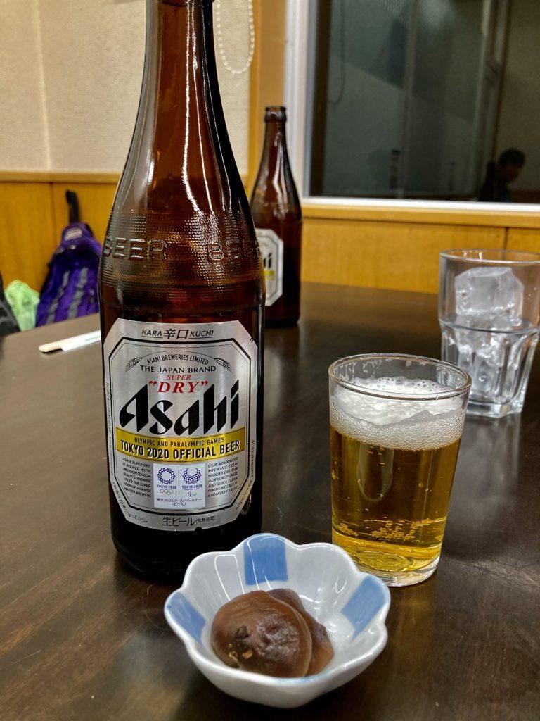 矢板城の湯やすらぎの里の日帰り温泉施設「城の湯温泉」のレストランでビールを注文