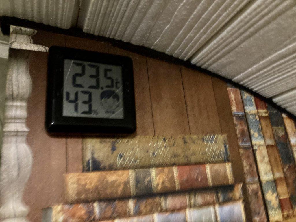 幌馬車くんと行く軽キャンピングトレーラー車中泊で矢板城の湯RVパークでトレーラーの暖房後の温度