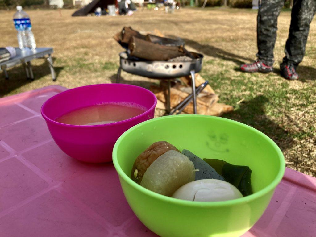 幌馬車くんと行く軽キャンピングトレーラー車中泊で矢板 城の湯キャンプ場で朝食のおでんを食べる