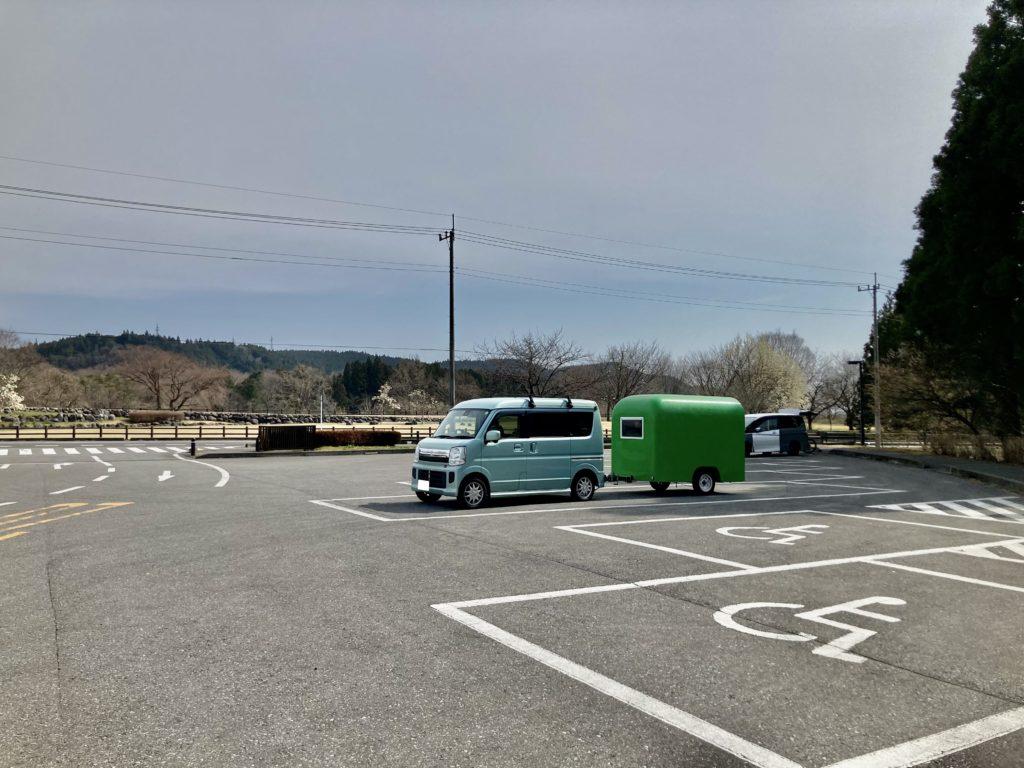 幌馬車くんと行く軽キャンピングトレーラー車中泊で3月下旬の日光だいや川公園