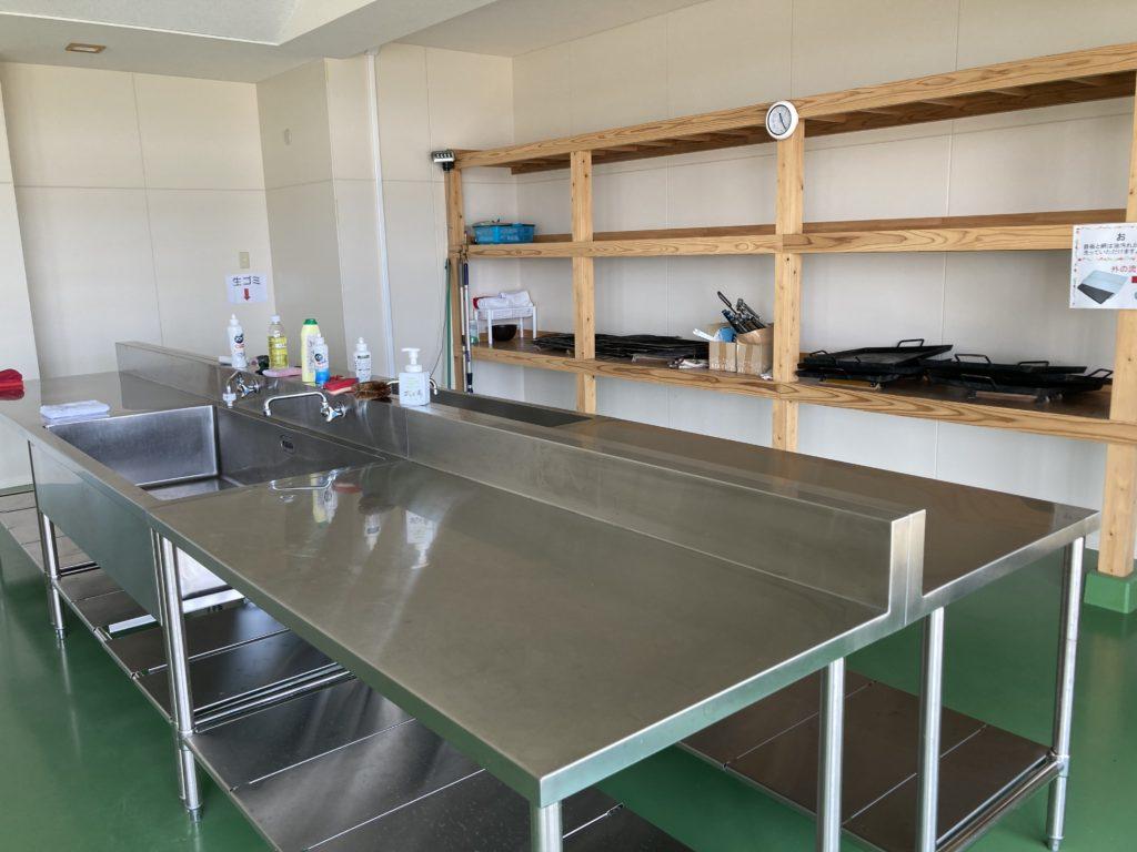 幌馬車くんと行く軽キャンピングトレーラー車中泊で矢坂城の湯RVパーク&バーベキューの炊事場