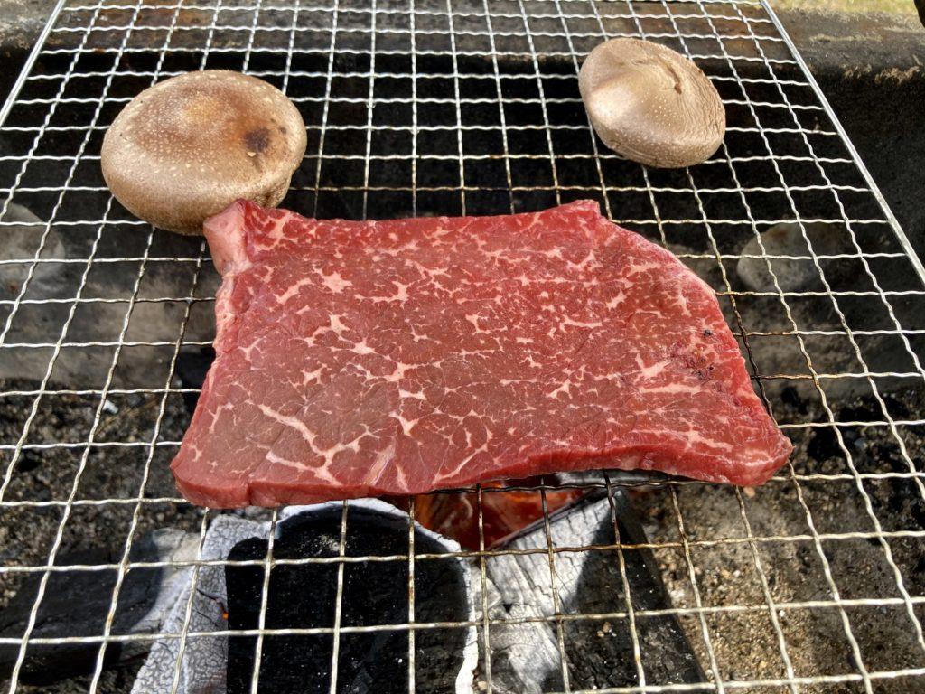 幌馬車くんと行く軽キャンピングトレーラー車中泊で矢坂城の湯RVパーク&バーベキュー場で栃の木牛のステーキ
