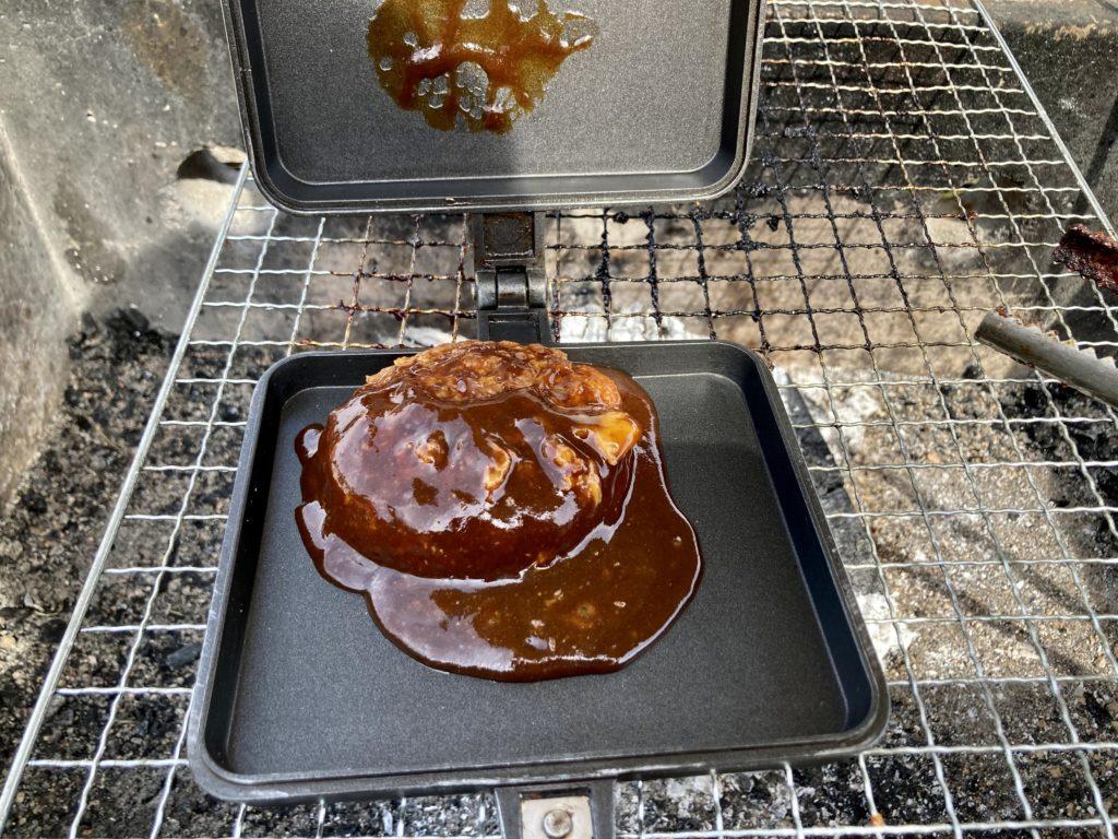 幌馬車くんと行く軽キャンピングトレーラー車中泊で矢坂城の湯RVパーク&バーベキュー場でホットサンドメーカー料理でデミグラスソース