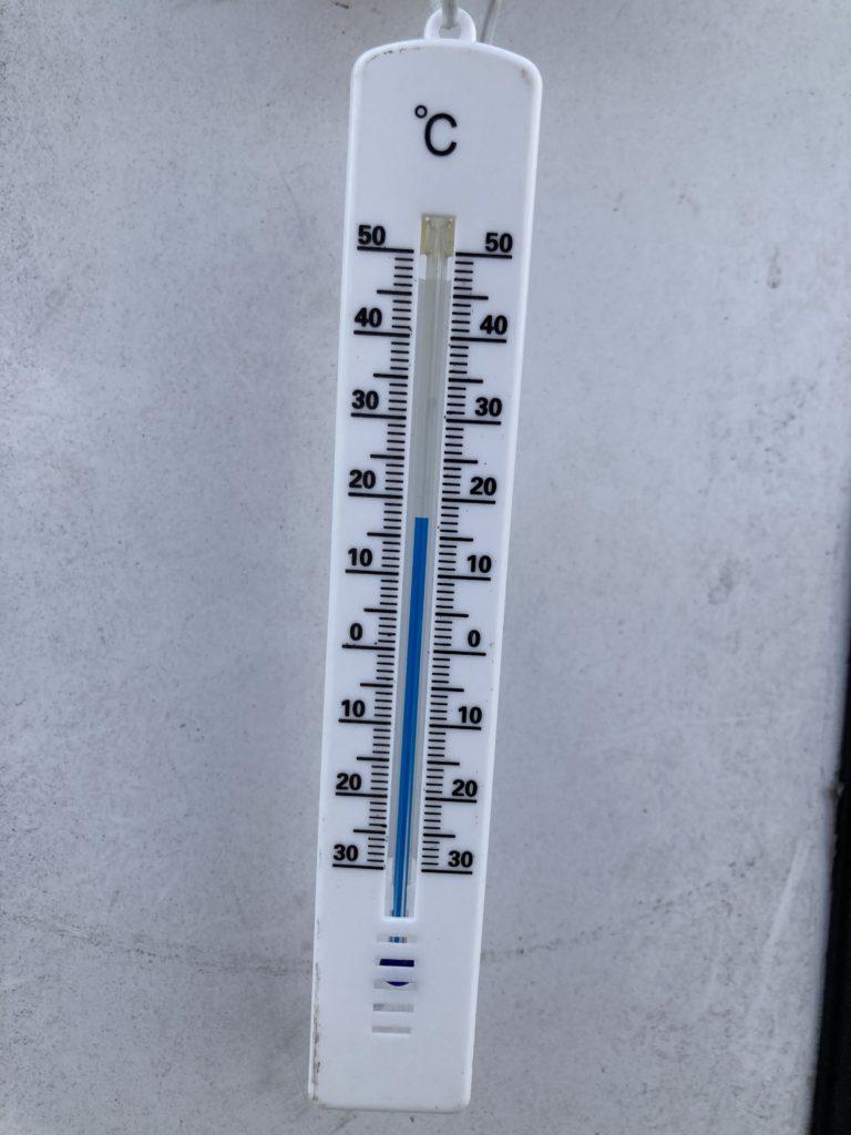 幌馬車くんと行く軽キャンピングトレーラー車中泊で矢坂城の湯RVパーク3月下旬の気温