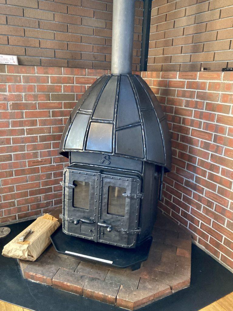 碓氷峠の「くつろぎの郷」コテージ泊の霧積の暖炉