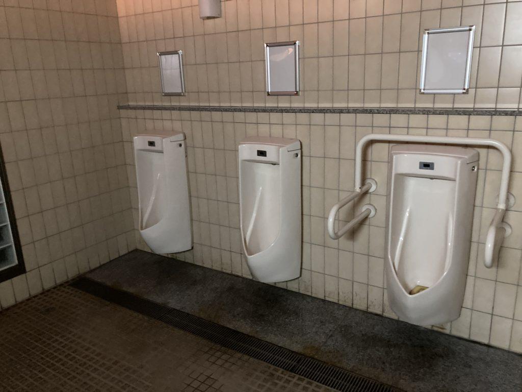 道の駅「とぎ海街道」のトイレの男子トイレ