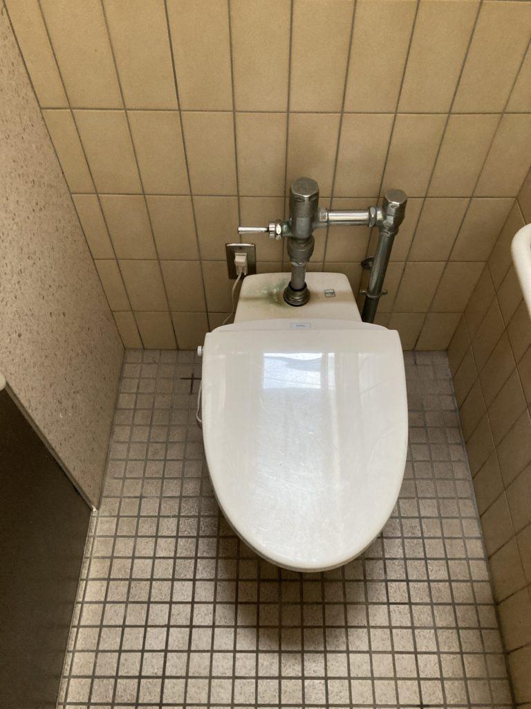 道の駅「とぎ海街道」のトイレの便座(ウオシュレット無し)