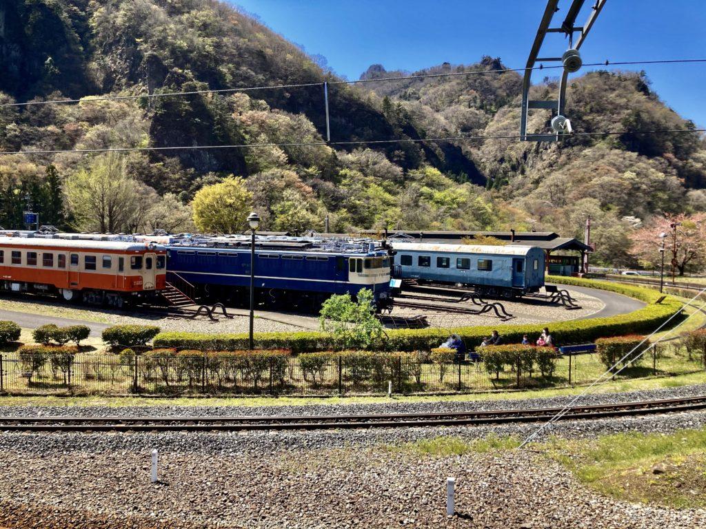 碓氷峠の森公園交流館「峠の湯」から鉄道文化むらまでのアプトの道ハイキングで鉄道文化むら付近