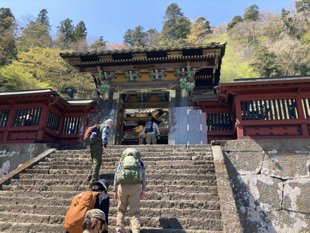幌馬車くんで行く道の駅「みょうぎ」と妙義神社の門
