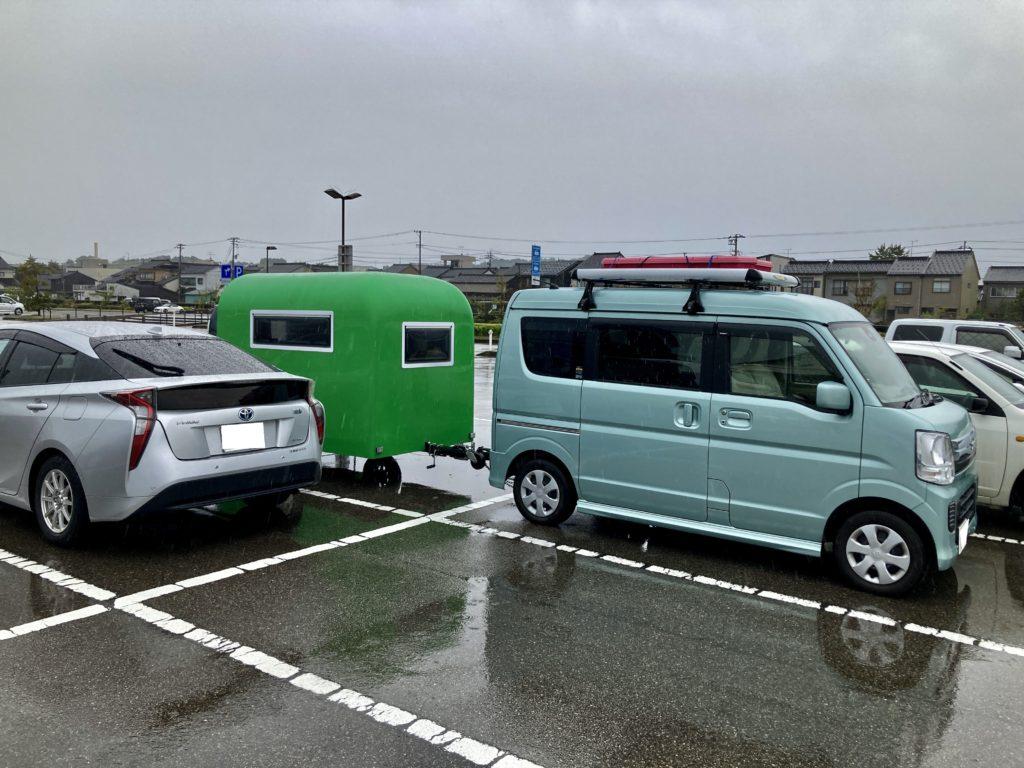 道の駅「氷見番屋街」幌馬車くんの軽キャンピングトレーラー車中泊の駐車場