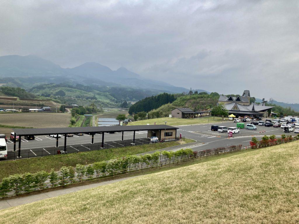 道の駅「中山盆地」幌馬車くんの軽キャンピングトレーラー車中泊の道の駅全貌