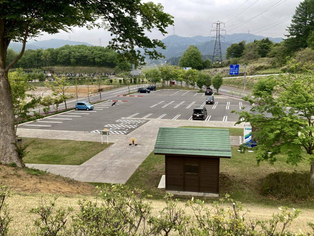 道の駅「中山盆地」高山ふれあいパークの駐車場