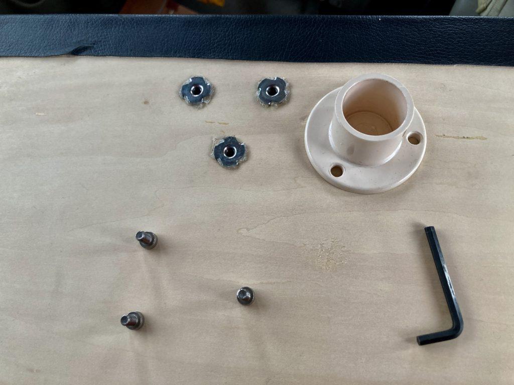 エブリィワゴンの室内テーブルを自作したので組み立ててみた