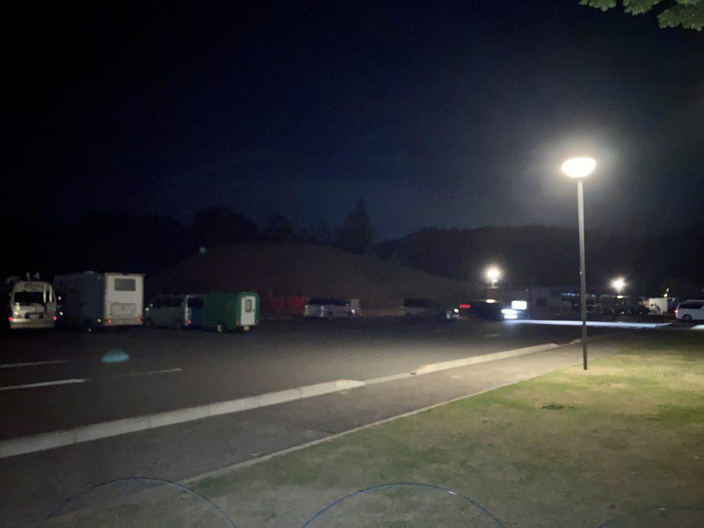 道の駅「中山盆地」幌馬車くんの軽キャンピングトレーラー車中泊の夜の駐車場