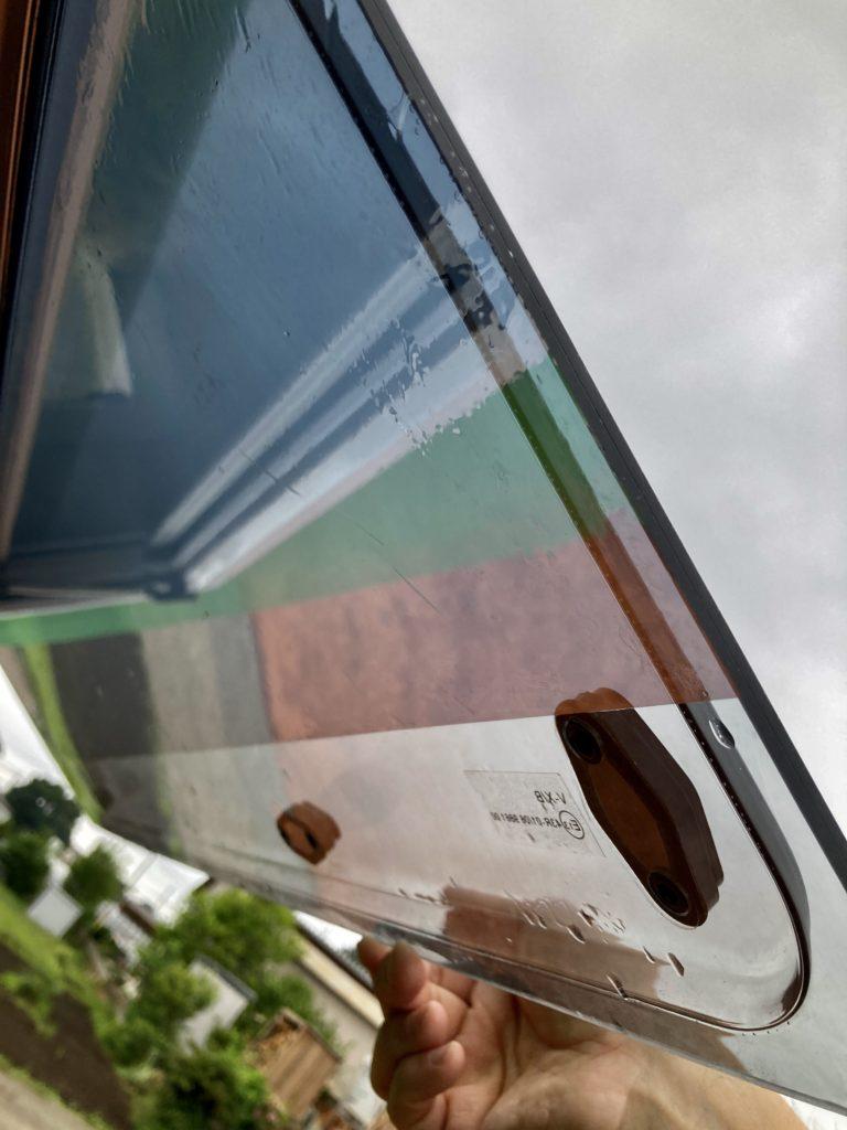 幌馬車くんの窓にマジックミラーフィルムを貼ってみた