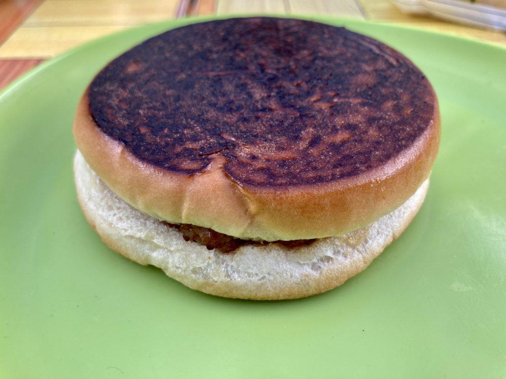 北軽井沢スウィートグラスでバウルーのホットサンドメーカー料理でハンバーガーを焼いてみた