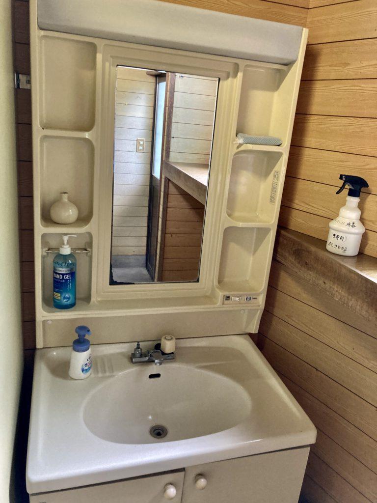 北軽井沢オートキャンプ場「きたかる」のトイレの洗面台