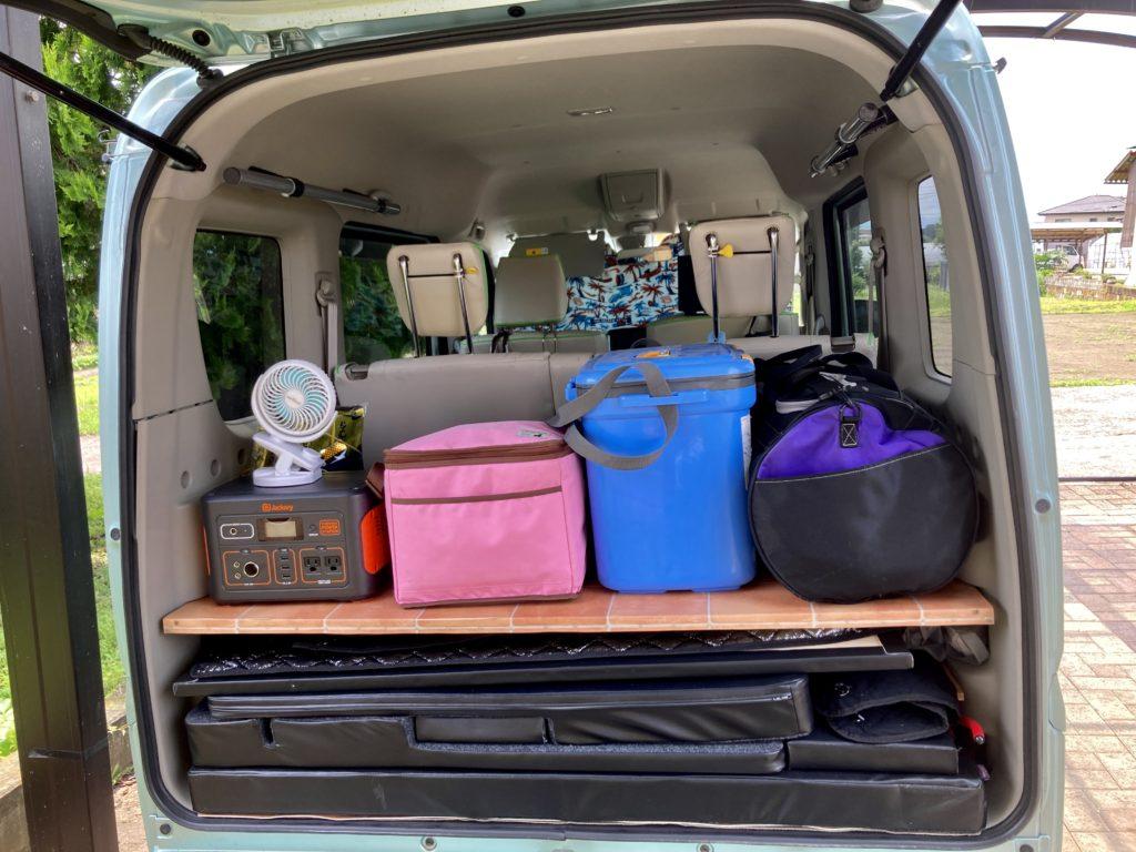 草津温泉「湯畑観光駐車場」エブリィワゴンの車中泊の荷物