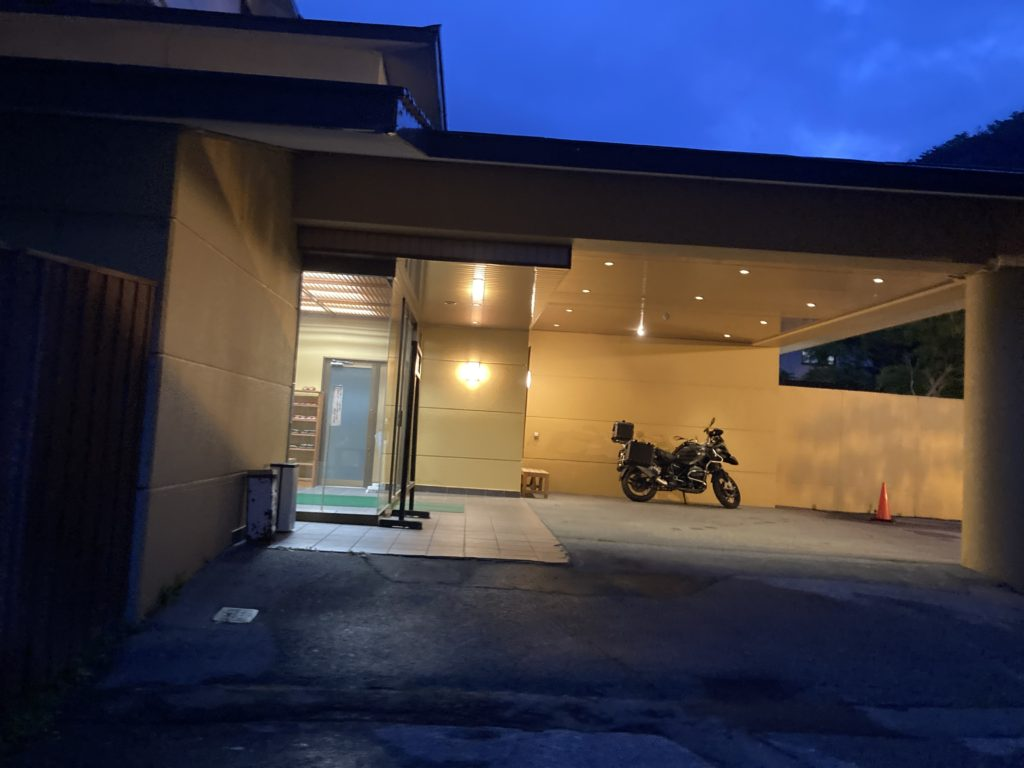 奥日光湯元温泉の「湯守釜屋」の入口