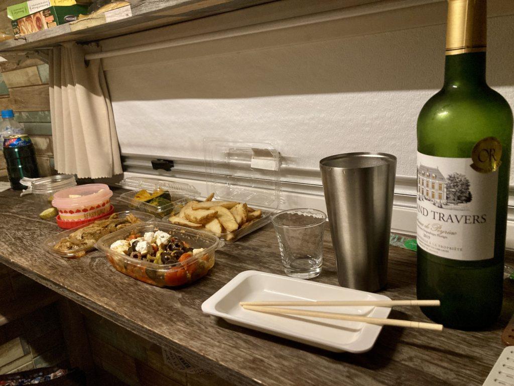 軽キャンピングトレーラーの幌馬車くんで行く湯の湖 湯元本通り南駐車場トレーラー車中泊で飲み