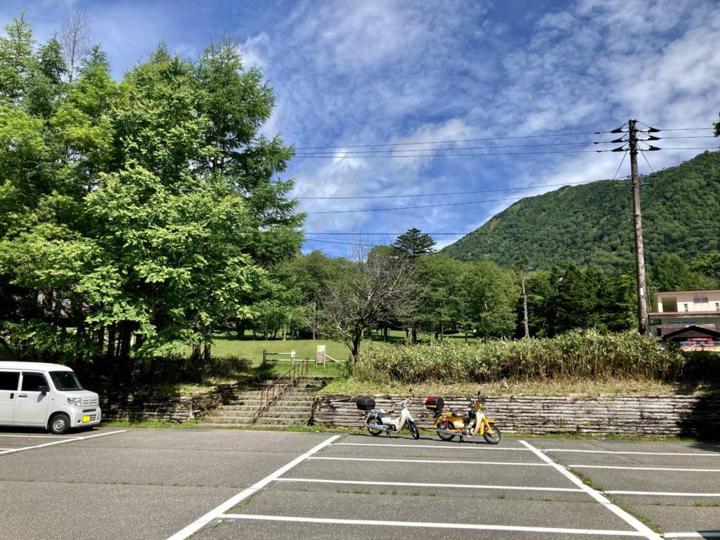 湯の湖 日光湯元キャンプ場の入口