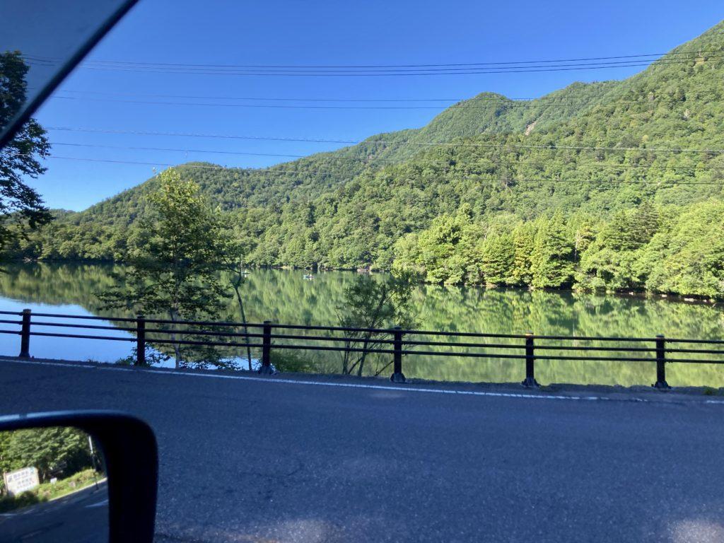 軽キャンピングトレーラーの幌馬車くんで行く湯の湖 日光湯元キャンプ場
