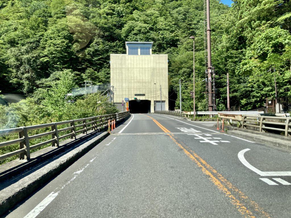日光方面からの日足トンネル