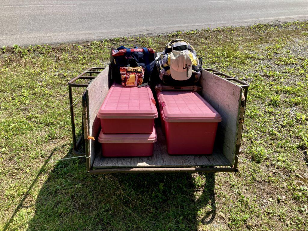 バラキ高原キャンプ場にリヤカーを使って荷物搬入