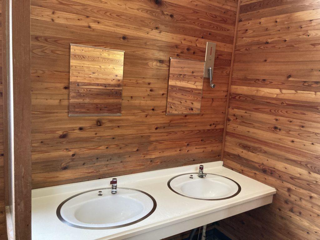 志賀高原の木戸池キャンプ場で使える24時間トイレ