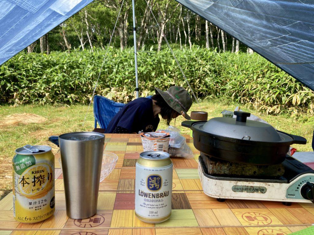 志賀高原の木戸池キャンプ場でカセットコンロで食事
