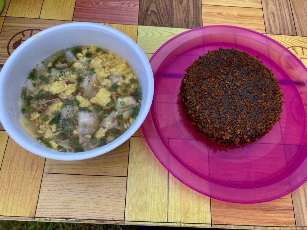 志賀高原の木戸池キャンプ場でホットサンドメーカー料理のカレーパンを焼いてみた