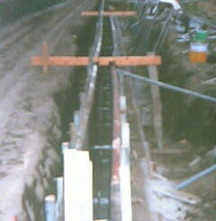 境界のコンクリート塀