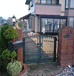 門柱の花壇のレンガ積み自作と門